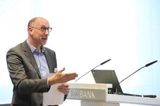 Prof. Dr. Martin Engstler